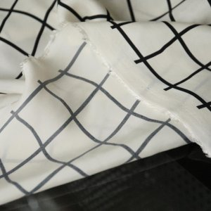Yarn dyed cupro grid (Japanese) (preorder sep 2020)